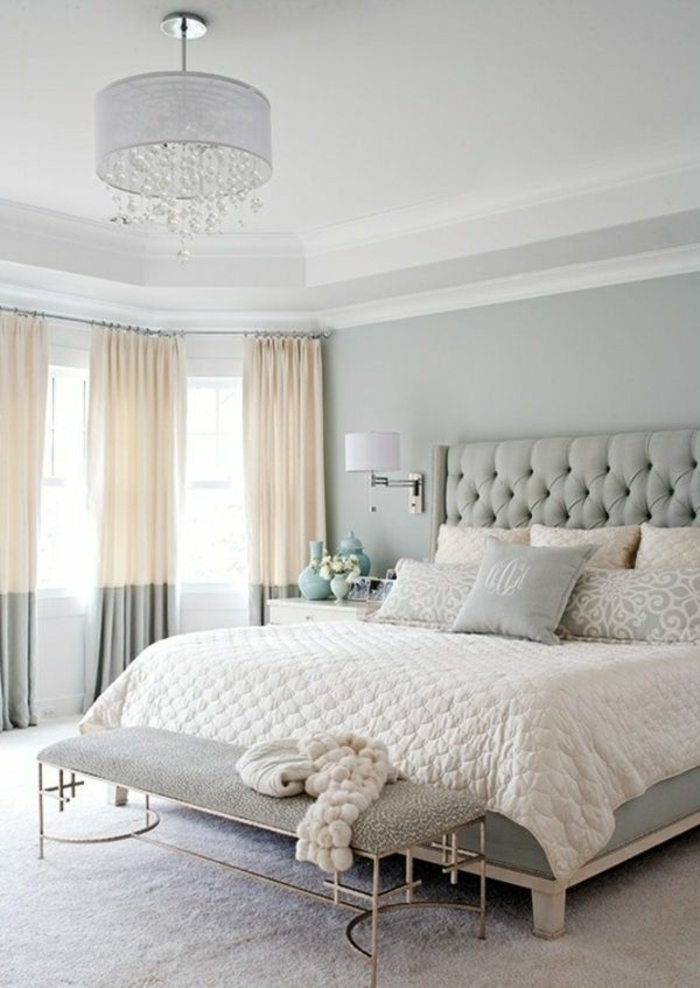schlafzimmer-in-grau-interessantes-kopfbrett