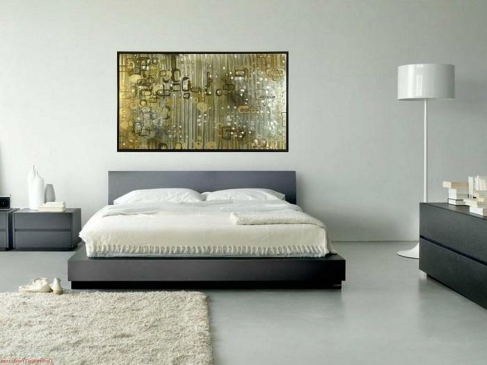 schlafzimmer-in-grau-sehr-tolles-bild-über-dem-bett