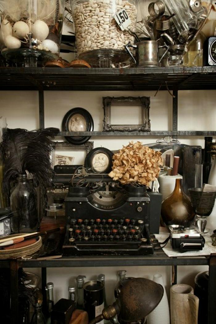 schwarze-vintage-Schreibmaschine-Atelier