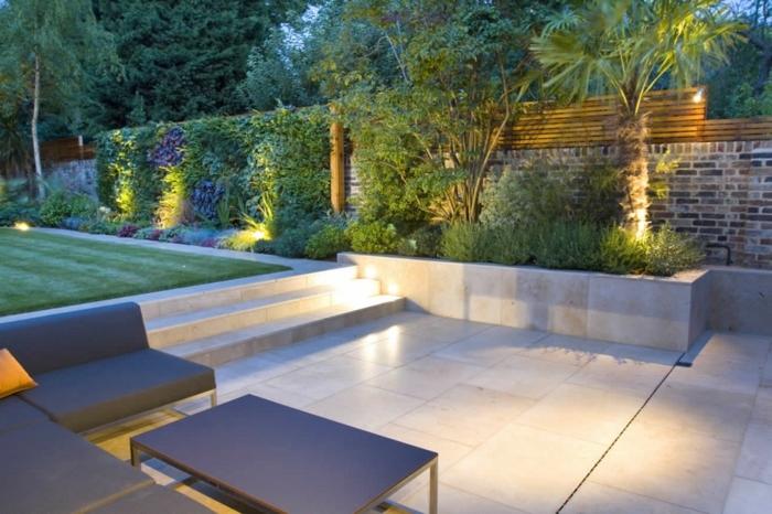 sichtschutz mit pflanzen moderner außenbereich gartengestaltung beipeisle gartenbeleuchtung ideen