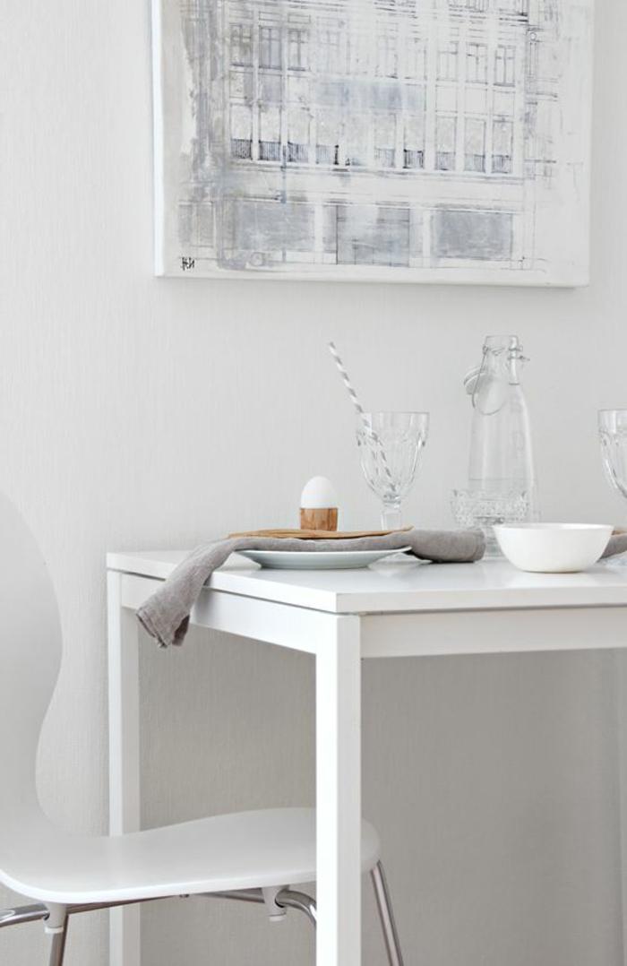 skandinavisch-einrichten-interessanter-weißer-tisch