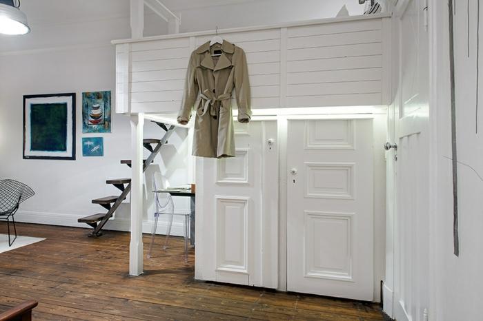 skandinavisch-einrichten-treppen-weißer-kleiderschrank