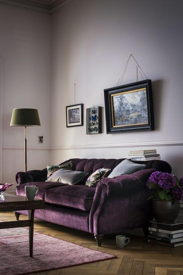 sofa-aus-samt-bilder-über-dem-modell