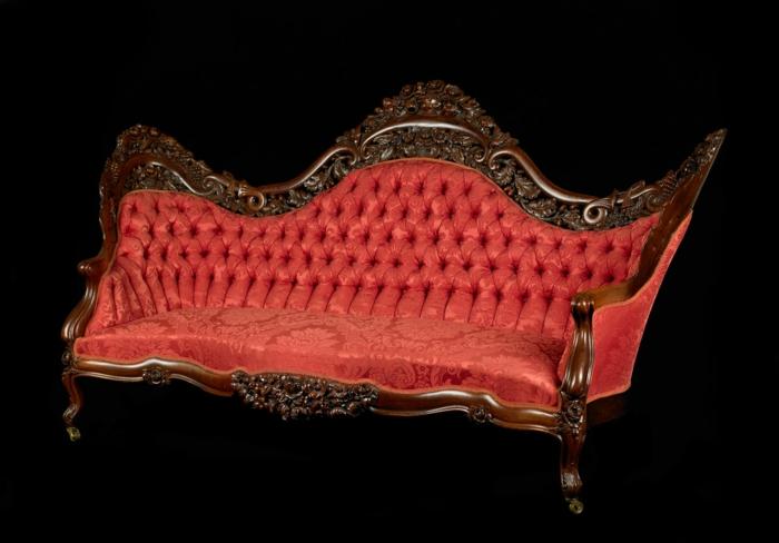 sofa-aus-samt-cooles-modell-mit-interessanten-formen