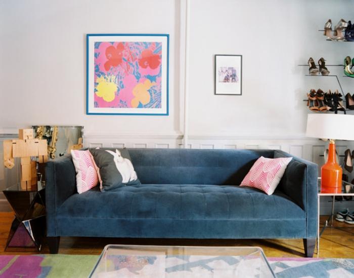 sofa-aus-samt-einmaliges-schönes-modell