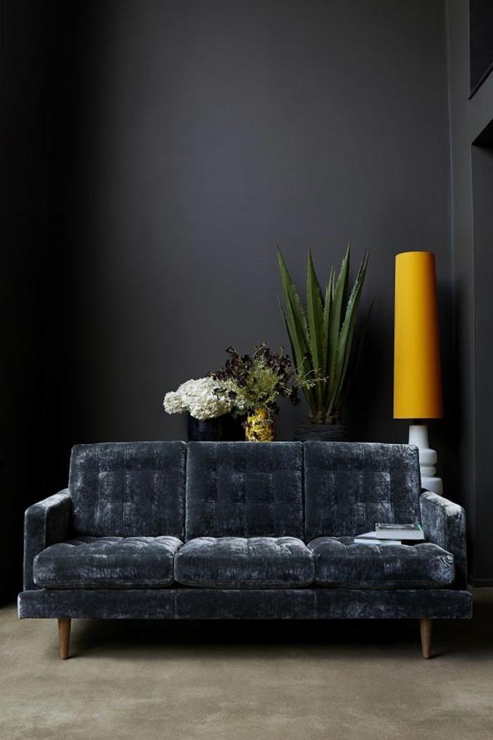sofa-aus-samt-schwarze-farbe