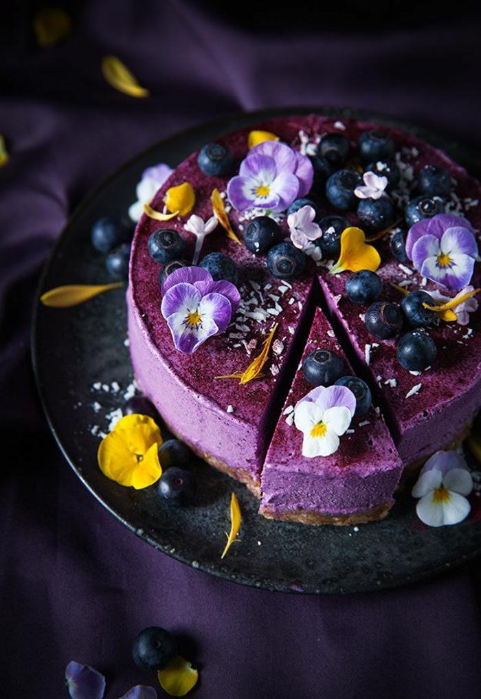 tolle-torten-lila-farbe
