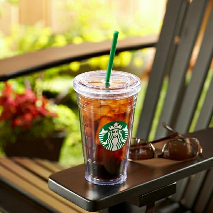 traditioneller-Starbucks-Becher-Kunststoff-grüner-Stroh-Sonnenbrille