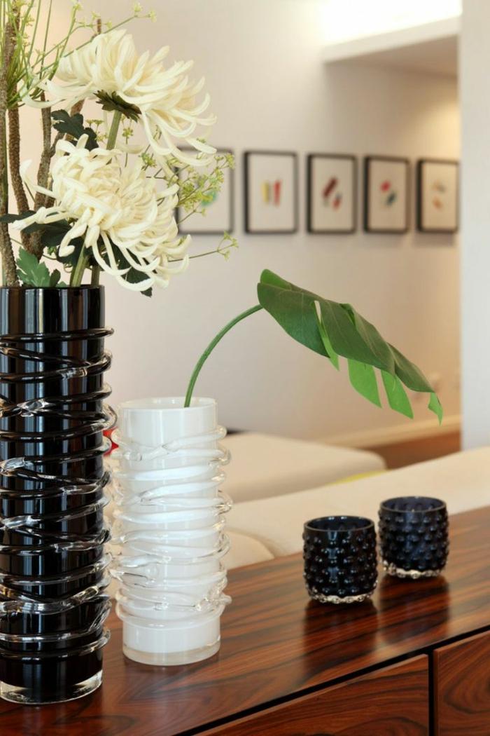 vasen-deko-ideen-schönes-modell-in-weiß-und-schwarz