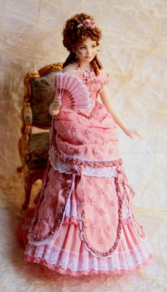 viktorianische-Puppe-hübsch-rosa-Kleid