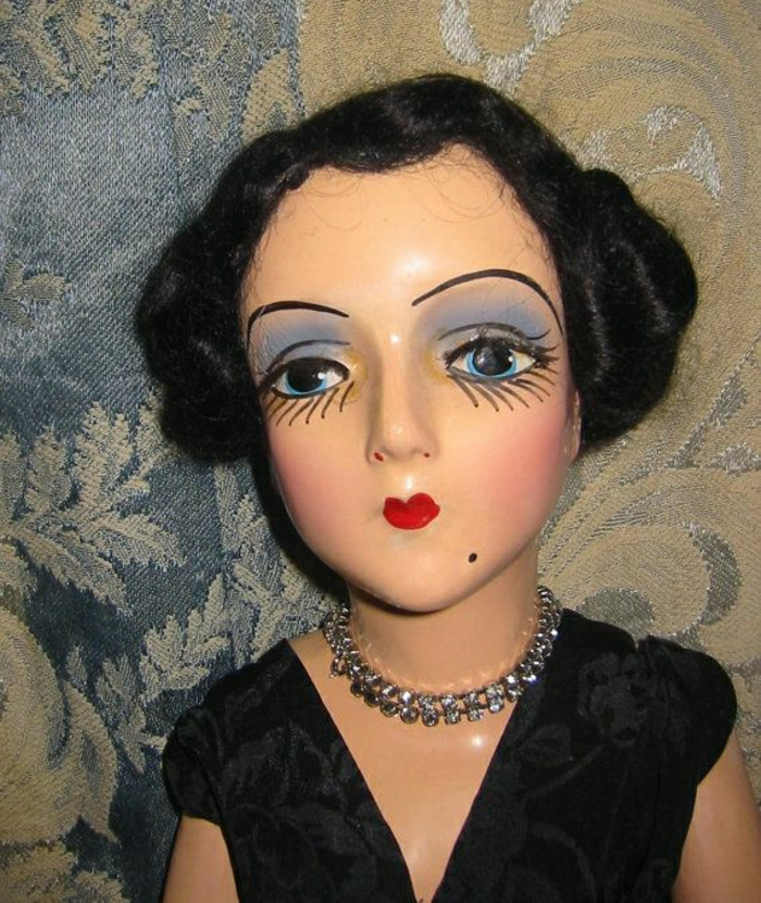vintage-Boudoir-Puppe-schwarzes-Kleid-Seide