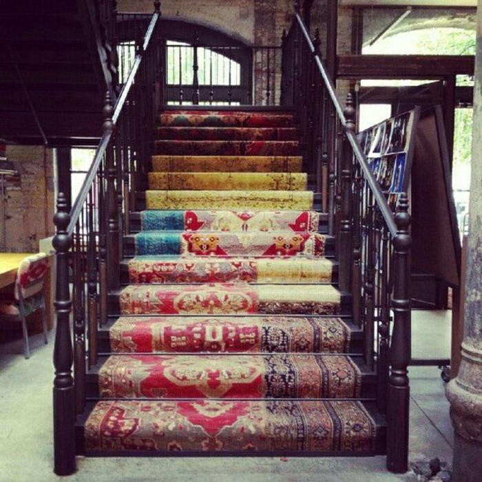 vintage-Teppiche-Treppen-hölzerne-Gestaltung