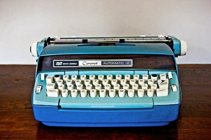 vintage-elektrische-Schreibmaschine-1970-Smith-Corona-Coronet