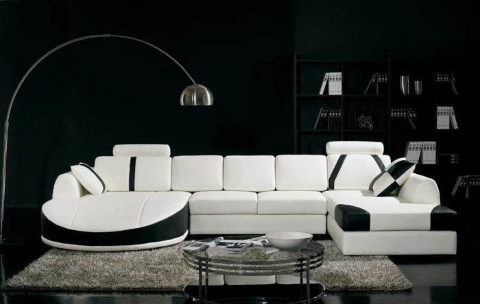 wohnzimmer-in-schwarz-modernes-weißes-sofa