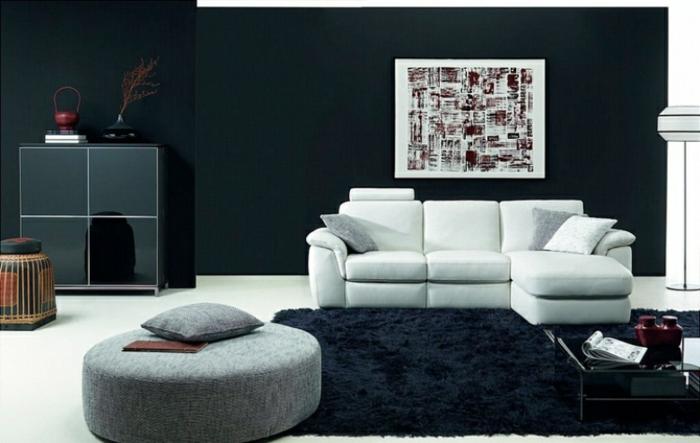 wohnzimmer-in-schwarz-sofa-in-weiß