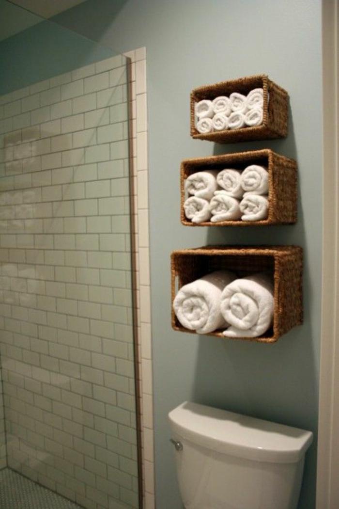 Badezimmer-Ideen-Organisation-Rattankörbe-Tücher