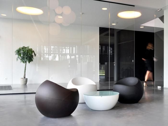 Ball-Chair-Leder-schwarz-weiß-bequem-schönes-Modell