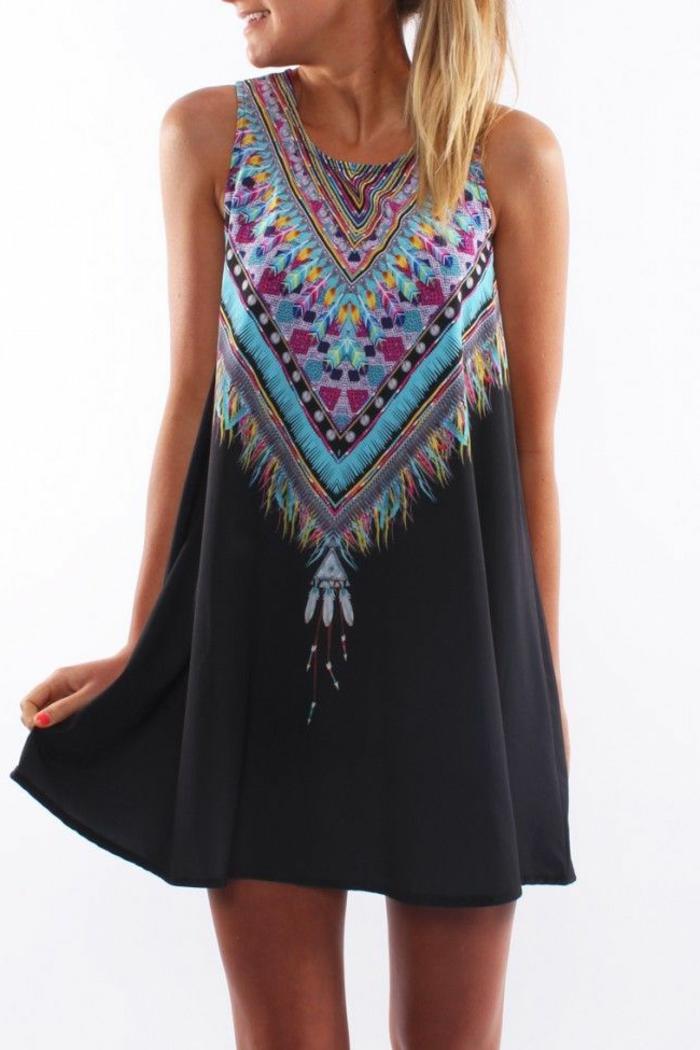 Boho-style-kurzes-Kleid-schönes-Muster