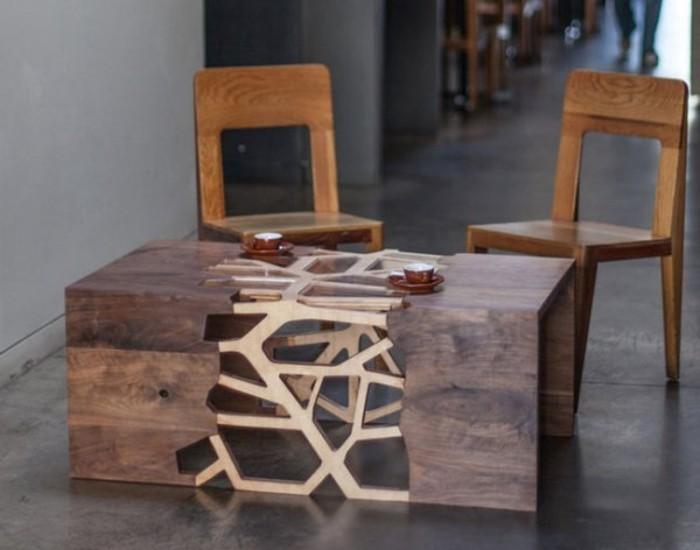 Couchtisch-aus-Holz-modern