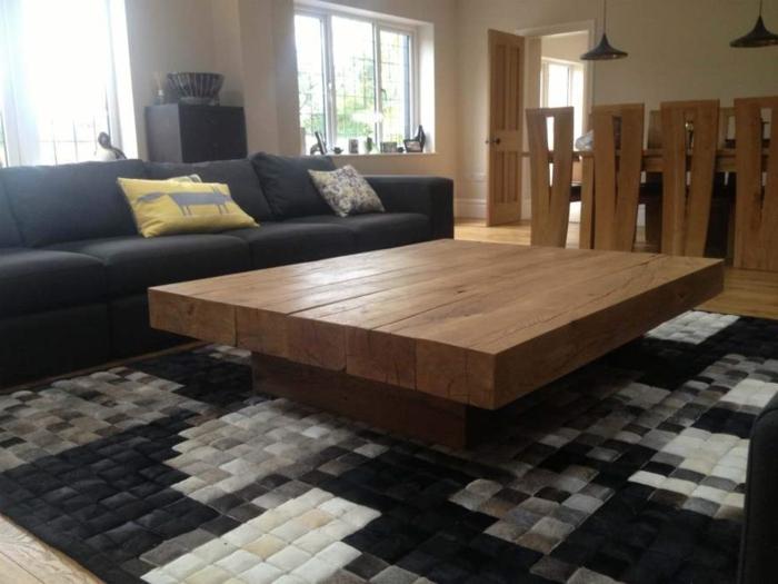 Couchtisch-aus-Holz-schwarz-weiß-teppich
