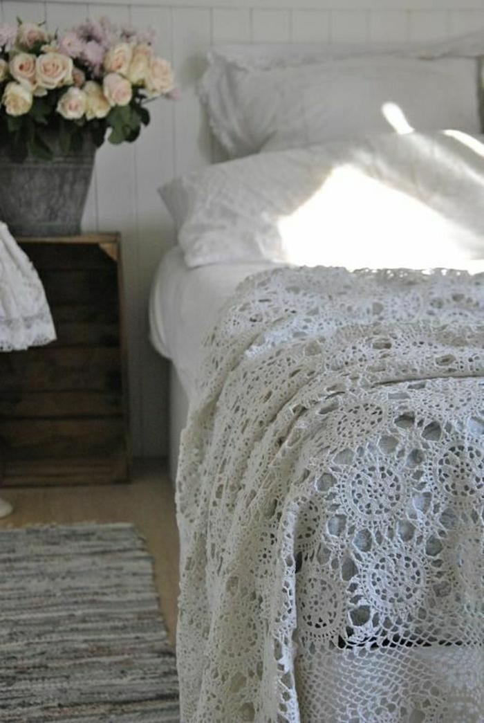 Crochet-Bettdecke-weiß-romantisch-shabby-chic