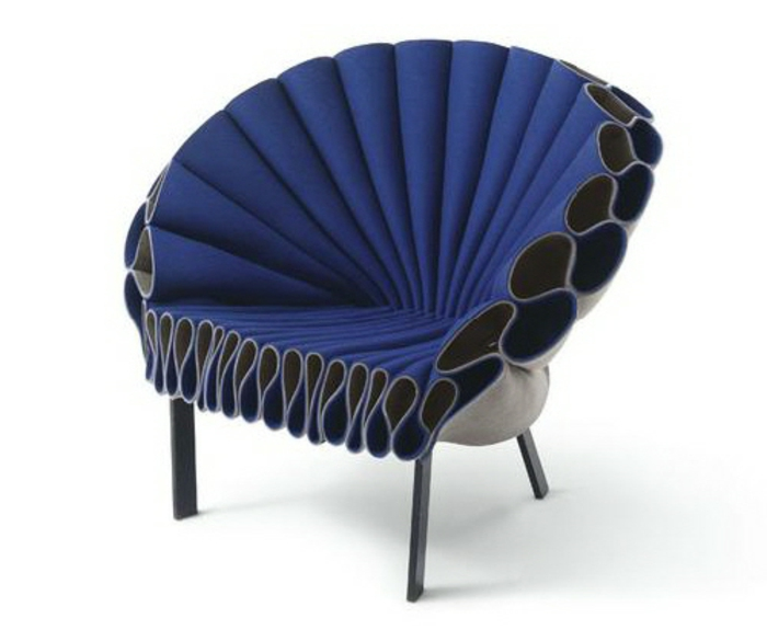 Designer-Sessel-blau-schwarz-schick-extravagant