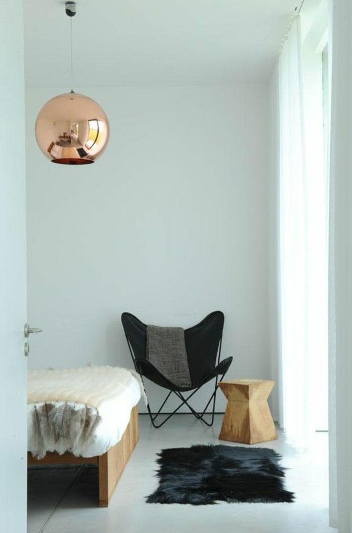 Designer-Sessel-schwarz-Pelz-hölzerner-Hocker-Kupfer-Leuchte-Bett