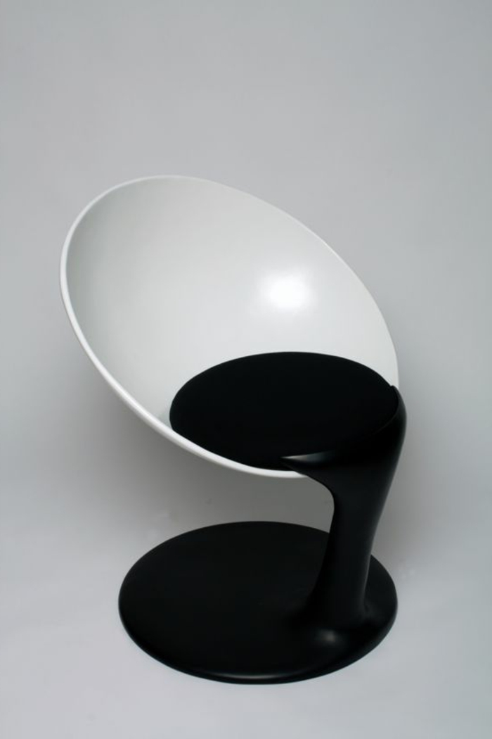 Designer-Stuhl-schwarz-weiß-Kombination-interessante-Form-ungewöhnlich-erstaunlich