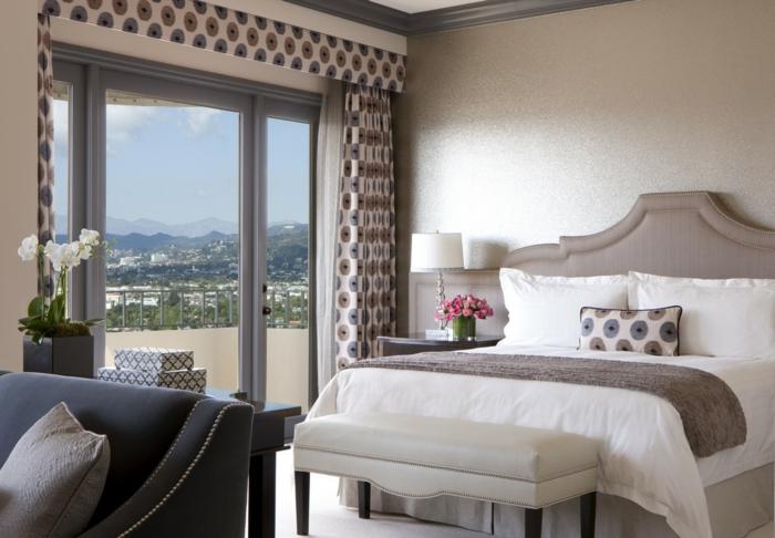 Großes-Bett-fenster-polster-terrasse