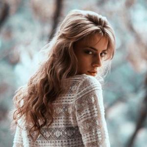 Die schönsten Herbstfrisuren für Romantikerinnen