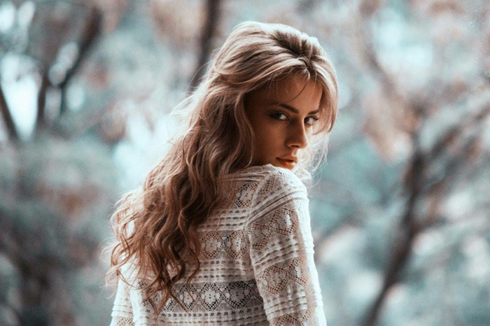 Herbst-frisuren-hübsche-frau