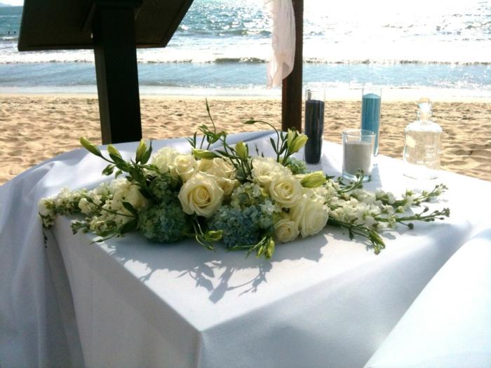 Hochzeit-tischdekoration-am-meer