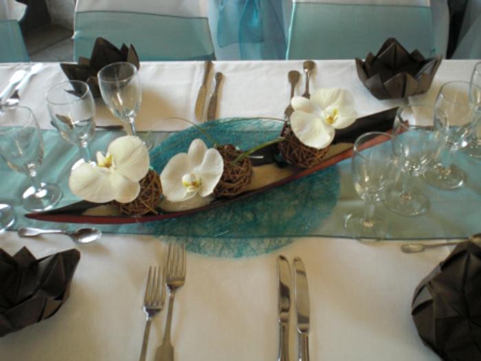 Hochzeit-tischdekoration-hell-blau-und-braun
