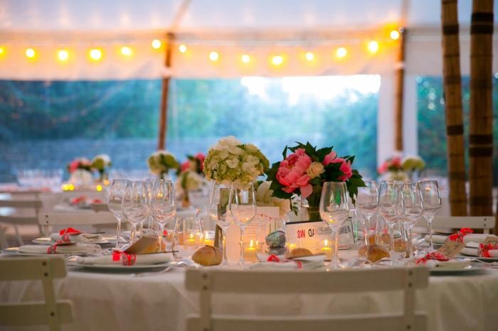 Hochzeit-tischdekoration-kerzen-und-beleuchtung