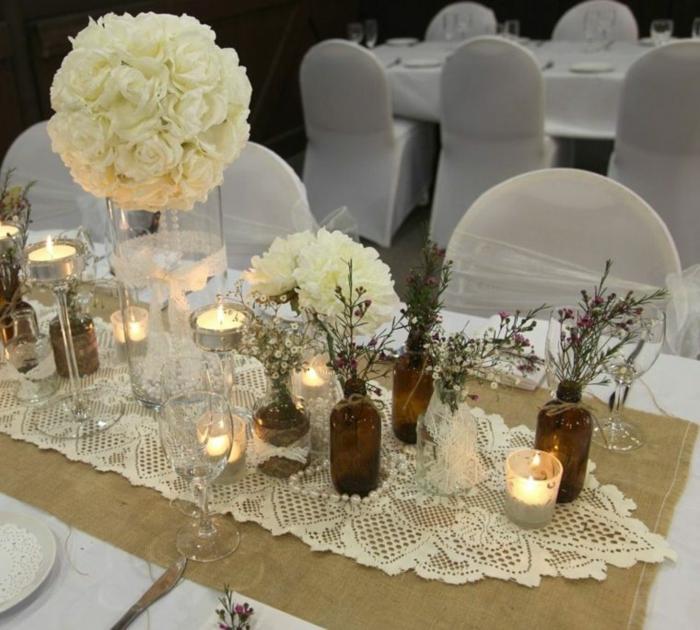 Hochzeit-tischdekoration-kerzen-weiße-rose