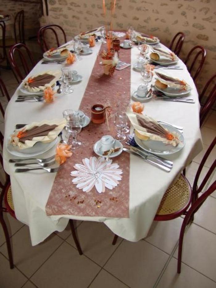 Hochzeit-tischdekoration-mit-serviertücher