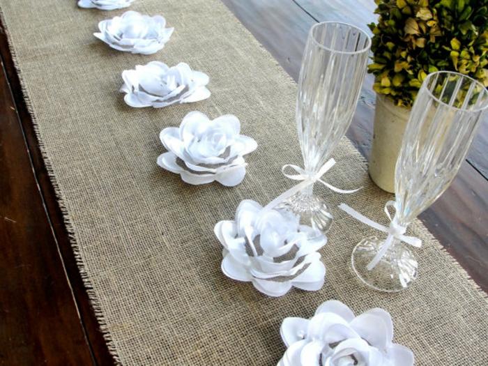 Hochzeit-tischdekoration-origami-blumen
