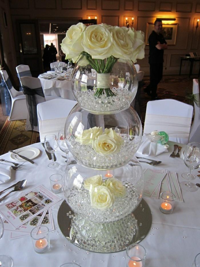 Hochzeit-tischdekoration-rosen