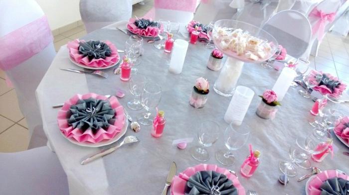 Hochzeit-tischdekoration-rund-rosig