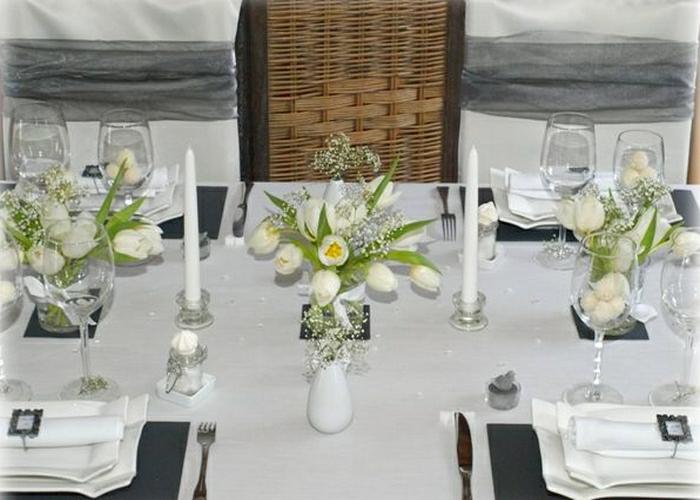 Hochzeit-tischdekoration-tulpen-kerzen