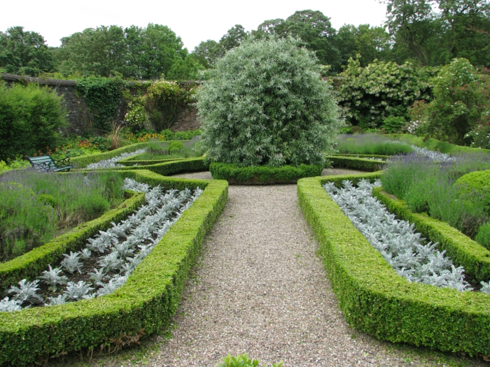 Irland-Garten-englisches-Vorbild-Alleen-Grün-dekorative-Steine