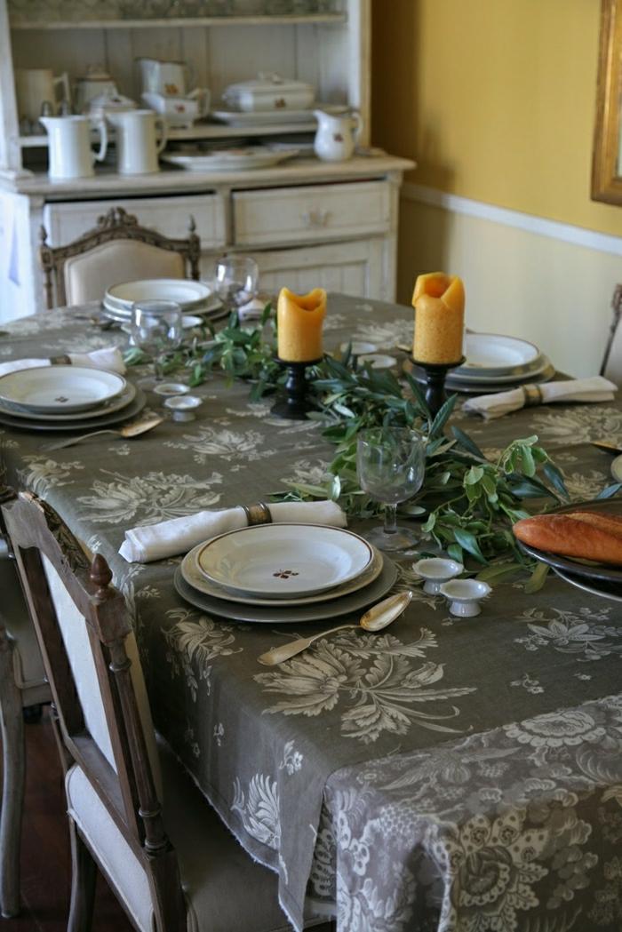 Küche-rustikale-Ausstattung-graue-Tischdecke-Leinen-Geschirr