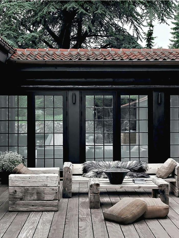 Möbel-Holz-rutikal-Sessel-Sofa-Couchtisch-Veranda