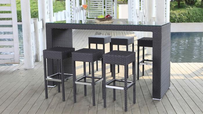 Möbel-aus-Polyrattan-bar-schwimmbecken