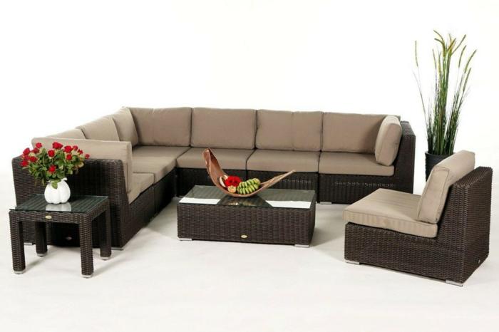 Teak Gartenmobel Im Winter : Sofa und Kommode aus Polyrattan für eine Vintage Gestaltung