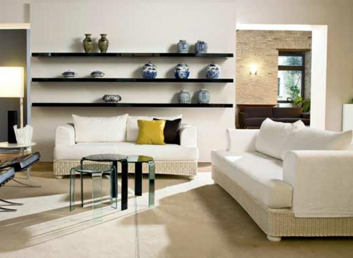 Möbel-aus-Polyrattan-regale-sofas-weiß