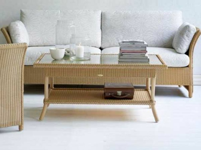 Möbel-aus-Polyrattan-sofa-glas