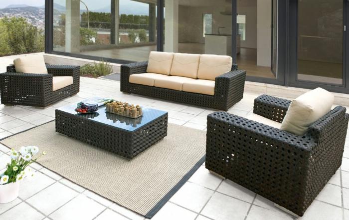 Möbel-aus-Polyrattan-terrasse-teppich