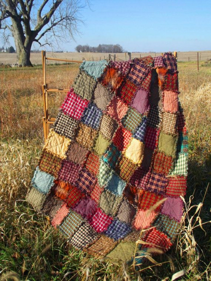 Patchwork-Bettüberwurf-Landhausstil-handgemacht