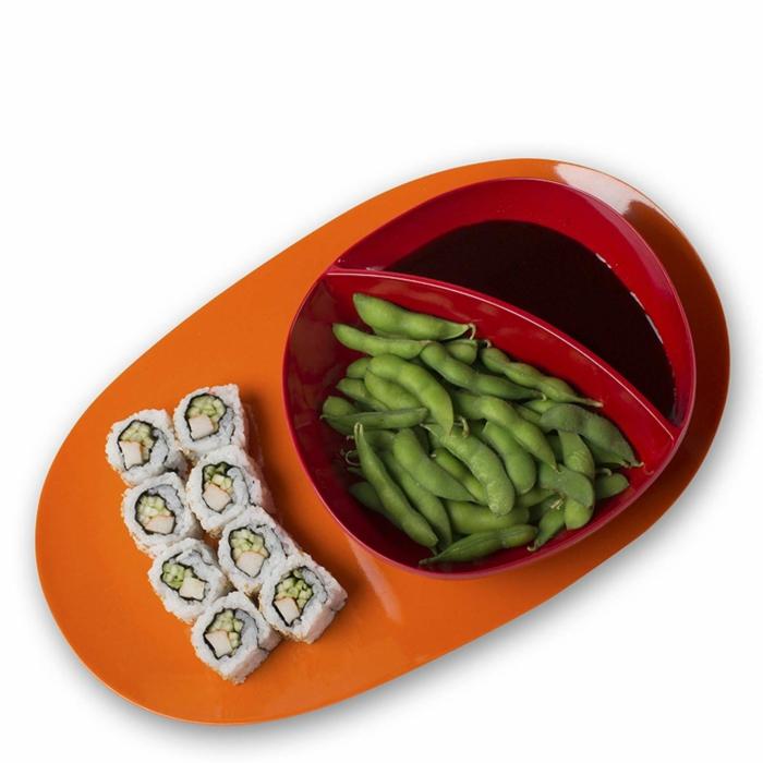 Serviertablett-Bambus-orange-Farbe-rote-Schale-Bohnen-Sushi
